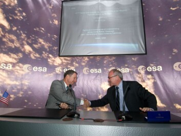 NASA administrator Michael Griffin and the ESA's general director Jean-Jacques Dordain at the signing of the Memoranda of Understanding for JWST & LISA Pathfinder (ESA – S. Corvaja)
