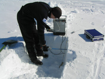 Measurements of snow density and temperature being taken near the Aboa research station. (Photo: Timo Vihma)