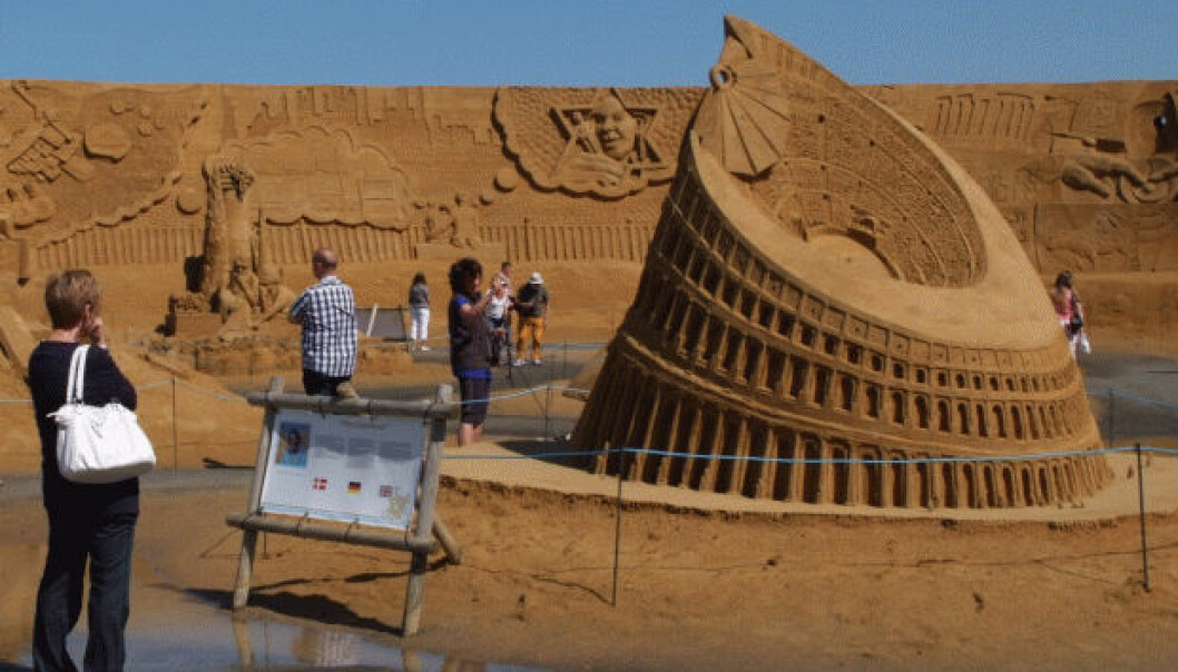 Sand is an excellent building material for making castles and sculptures. Scientists have now found that water content of two percent makes sand optimally suitable for building large structures. This picture was taken at the sand sculpture festival in the Danish town of Søndervig earlier this year. (Photo: Steen Holm)