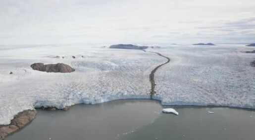 Aerial photos from Greenland topple climate models