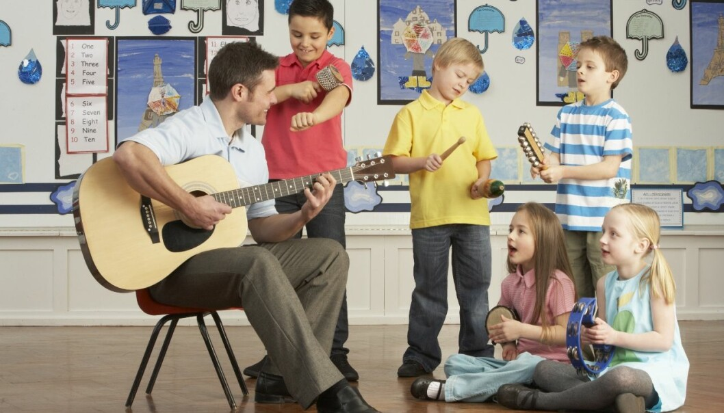 Play your turn and then pass it on. Music is used to show parents what their children need. (Photo: Colourbox)