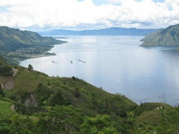 Lake Toba. The huge eruption, which occurred 74,000 years ago, left a crater that is about 50 km wide. The eruption was 5,000 times larger than the Mount St. Helens eruption in 1980 in the US. (Photo: kenner116 via photopin cc)
