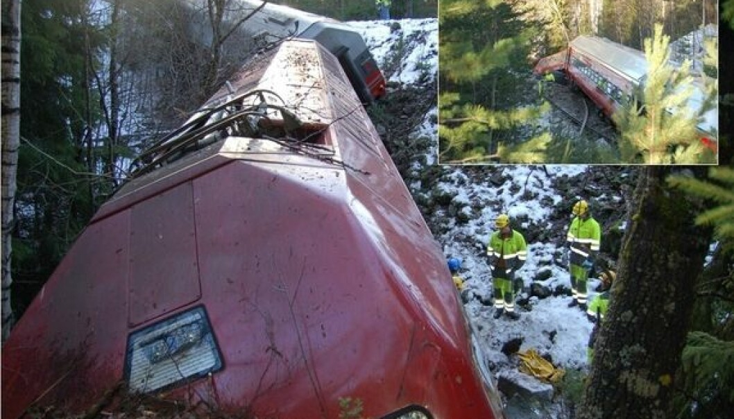 Enormous energy is involved when two trains collide. Loose baggage can be lethal. Pictured here is a derailment at Flå, Buskerud County, 6 November 2006. The Accident Investigation Board Norway observed that it was lucky that no lives were lost. (Photo: Accident Investigation Board Norway)
