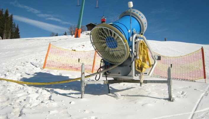 Nanoscale impulse radar measures depth of snow
