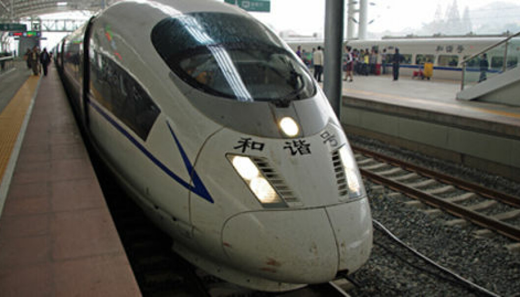 China is constructing more high-speed train lines than all other countries combined. These are profitable ventures in world's most populous country, even with the formula used by Lars Hulkrantz of Örebro University. (Photo: Georg Mathisen)