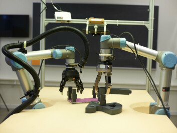 The researchers say that small companies can easily make do with a single robotic arm, depending on the task. In the background we see the installed cameras, which send images to the robots, enabling them to 'see'. (Photo: University of Southern Denmark)