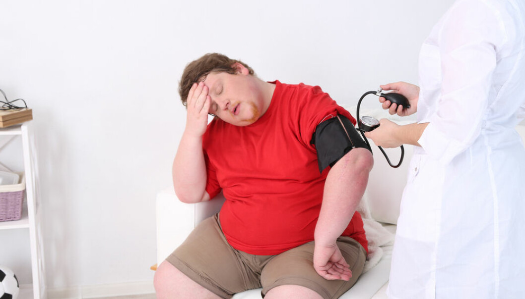 "Danish researchers have proven that the so-called 'obesity paradox' doesn't exist. (Photo: <a href=""http://www.shutterstock.com/da/pic-188619917/stock-photo-doctor-examining-patient-obesity-on-light-background.html?src=4O1I6mpzfMlMzBBSQQzi_Q-1-15"" target=""_blank"">Shutterstock</a>)"