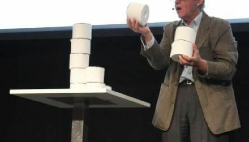 The girls being born now will grow up to have just two children, and their daughters will have two children, and so on. The world population peaks at 14 billion people, plus one billion, because we reach a higher age on average. Hans Rosling illustrated this point by stacking toilet paper rolls. (Photo: Jeppe Wojcik)