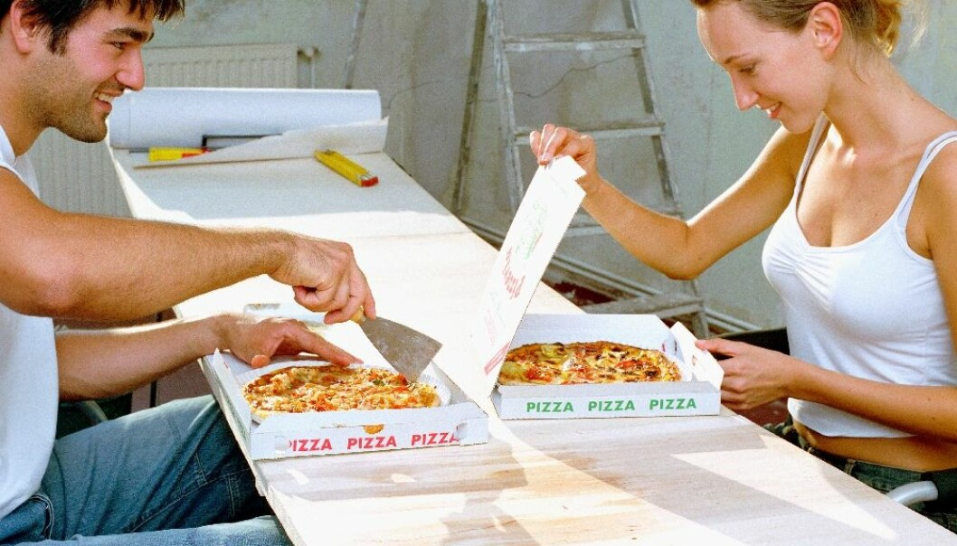 Ordering a pizza may be quick and easy, but perhaps you should think twice the next time you're tempted to call Roma's Pizza House: According to new research, pizza boxes contain substances which may cause breast cancer and affect your ability to have children. (Photo: Colourbox)
