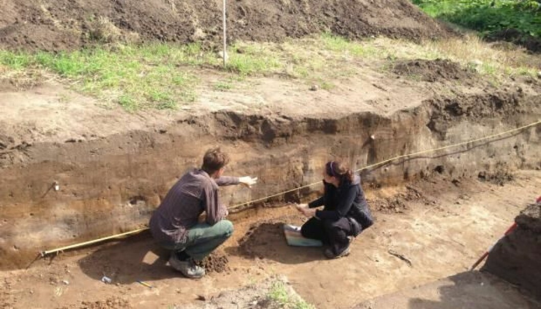 Vallø Borgring is fifth, but not necessarily last, in the family of ring-forts from the Danish Viking age. In the photo is Søren Sindbæk and Nanna Holm examining the newly opened excavation site at Vallø Borgring. (Photo: Danish Castle Centre)