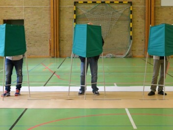 Swedes voting in a polling station in Dammhagskolan in Landskrona on Election Day Sunday. The decision to vote can be partly explained by genes. (Photo: NTB Scanpix)