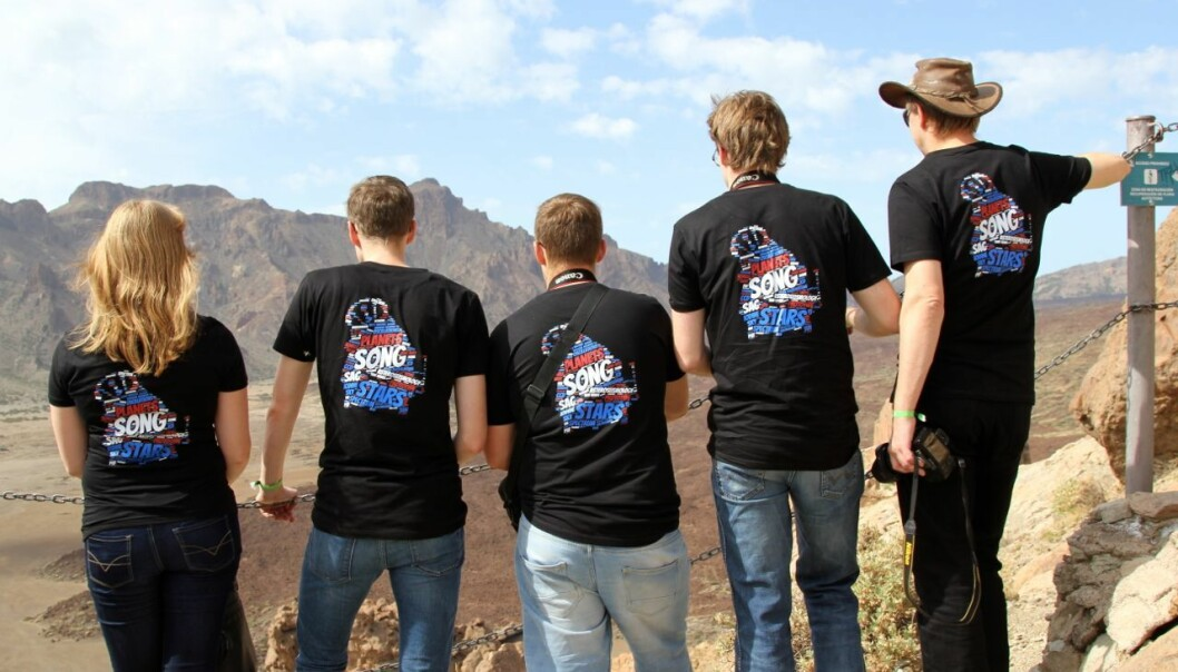 Scientists in special T-shirts at the site. (Photo: Lise Brix).