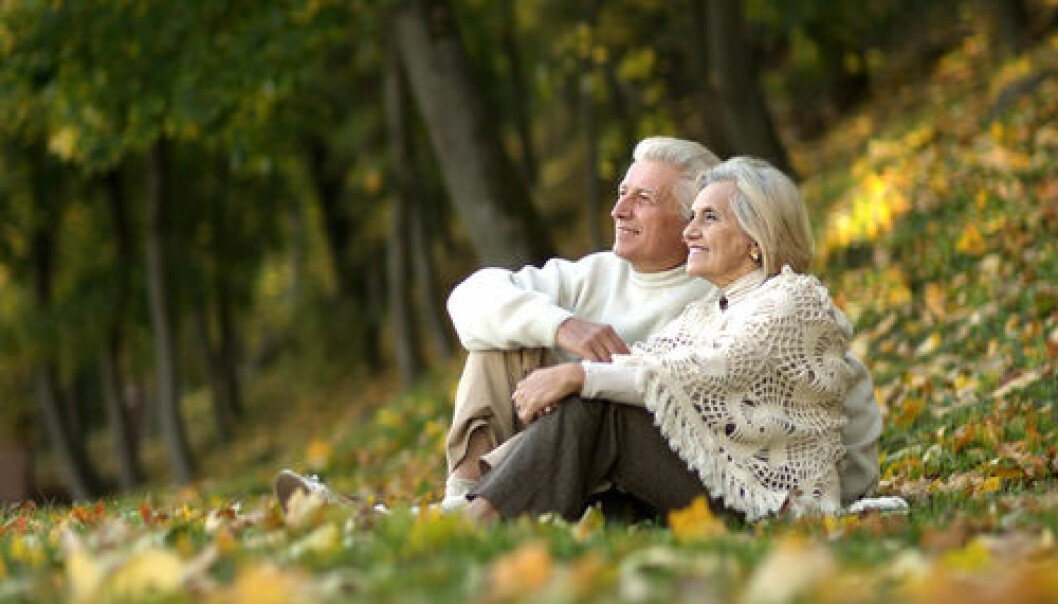 "Danish research has shown that the dietary supplement Q10 has a life-sustaining effect for patients with heart problems. (Photo: <a href=""http://www.shutterstock.com/da/pic-117717085/stock-photo-beautiful-happy-old-people-sitting-in-the-autumn-park.html?src=uwk-_Xa6bjU-m2bF9EqVqg-1-1"" target=""_blank"">Shutterstock</a>)"
