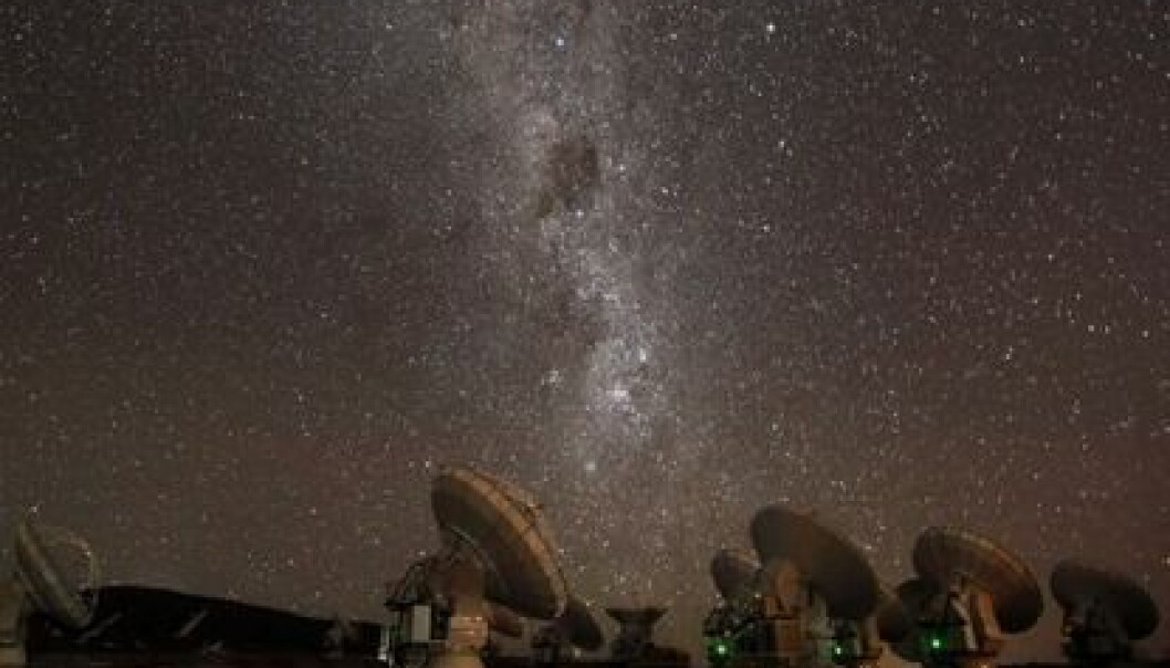 66 radio telescopes stand in the middle of the Atacama Desert in Chile, part of the ALMA (Atacama Large Millimeter Array) observatory. (Photo: ALMA/ESO)