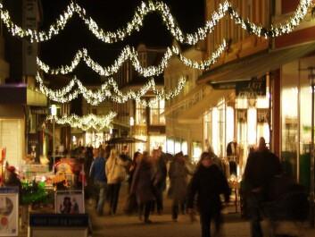 Playing Christmas music in shops is good for business. Shoppers are subconsciously affected by the music played in-store. (Photo: Colourbox)