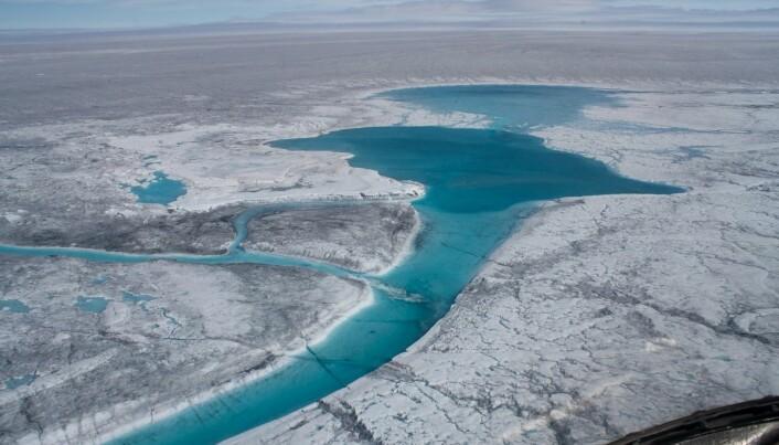 Heavy summer rain in Greenland speeds up ice melt