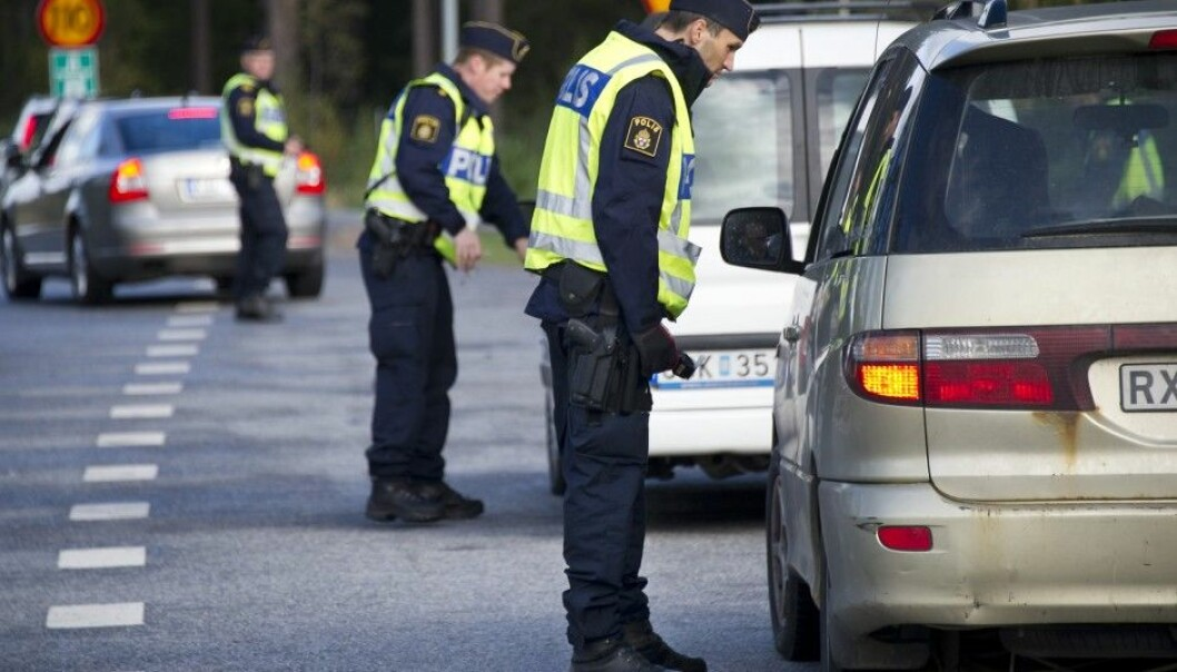 Police must deal with people and tackle tough situations. One of the most important skills they must have is being able to communicate, according to Swedish research. (Photo: Swedish Police)