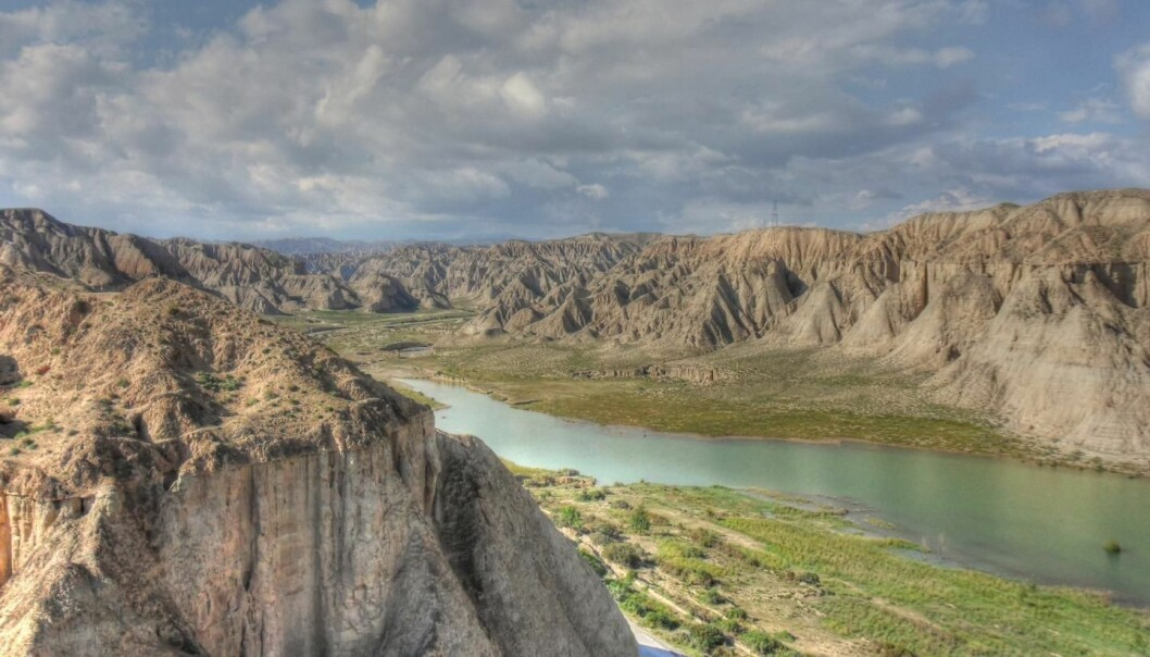 Scientists have traced the source of the dust that makes up the vast Chinese Loess Plateau. It comes from North Eastern Tibet, carried by the Yellow River as it erodes the uplifting Tibetan Plateau. (Photo: Thomas Stevens)