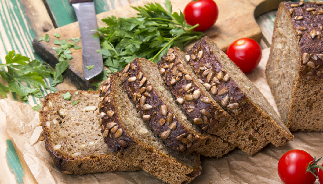 "New study shows that eating whole grains is good for the intestines, but it makes no difference whether you eat whole wheat or rye bread. (Photo: <a href= http://www.shutterstock.com/da/pic-313365314/stock-photo-wholemeal-bread-with-sunflower-seeds-and-delicious-fresh-vegetables.html target=""blank_"">Shutterstock</a>)"