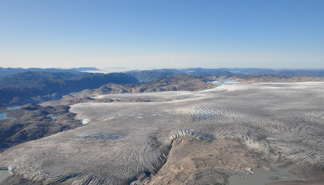 Scientists have now figured out exactly what caused two exceptional melt events here, in south west Greenland in 2012. Worryingly, current climate models cannot predict these events accurately. (Photo: Robert Fausto / GEUS)