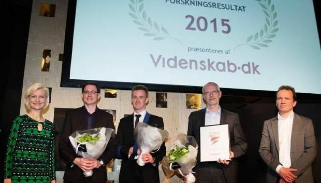 Winners of the Danish Research of the Year Award pose with the Danish Minister for Education Ulla Tørnæs (far left) and Peter Hyldgård from ScienceNordic (far right). The three prize-winners are, from left to right: postdoc Mads Albertsen, PhD student Rasmus Kirkegaard, and centre director and professor Per Halkjær Nielsen from the Centre for Microbial Communities, University of Aalborg, Denmark. (Photo: Søren Kjeld Gaard)
