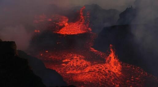 How volcanos collapse