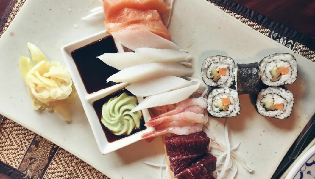Greenlandic sushi consisting of local salmon, cod, prawns, and whale (Photo: Videnskab.dk)