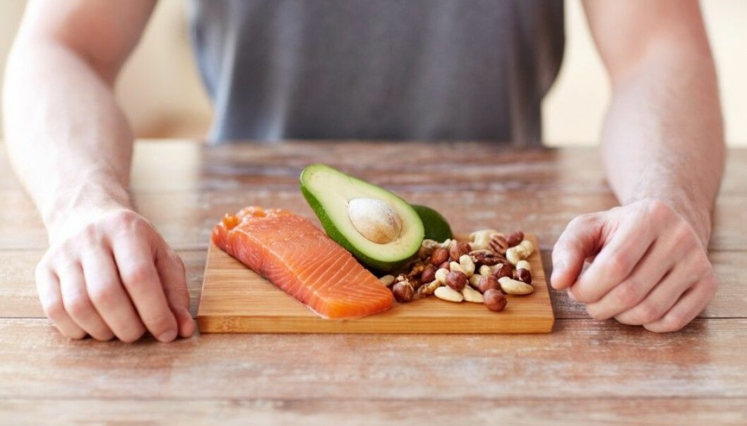 A paleo diet consists of lots of fish, nuts, eggs, fruit and vegetables. A recent doctoral dissertation in Sweden shows this diet to have a positive effect on people who are overweight or obese, as well as those with diabetes type 2.  (Illustrastive photo: Syda Productions/Shutterstock/NTB scanpix).