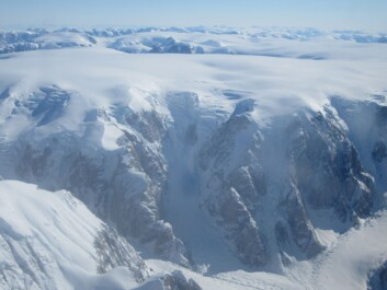 As part of the ice2ice project the scientists have drilled new ice cores on the Renland Ice cap in East Greenland. They will also collect cores of ocean sediment in the North Atlantic Ocean to compare with the Renland ice cores. (Photo: Iben Koldtoft / distributed via imaggeo.egu.eu)