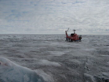 Hauptmann and colleagues sampling Arctic dust on the Greenland ice sheet (Photo: Marek Stibal)