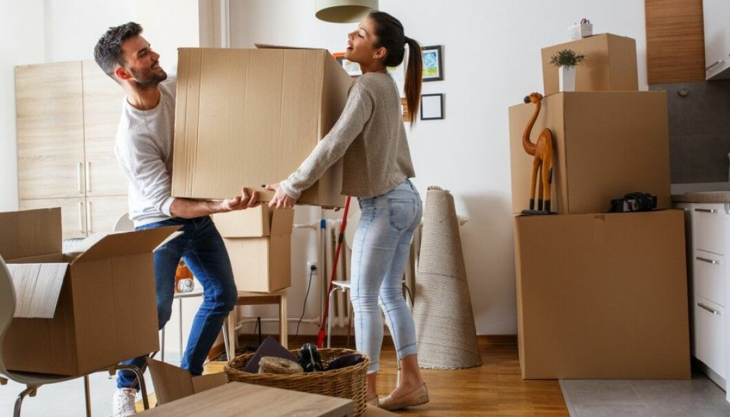 Who you know can be the decisive factor when young adults leave the nest and move into their first flat. (Photo: Solis images/Shutterstock/NTB scanpix)