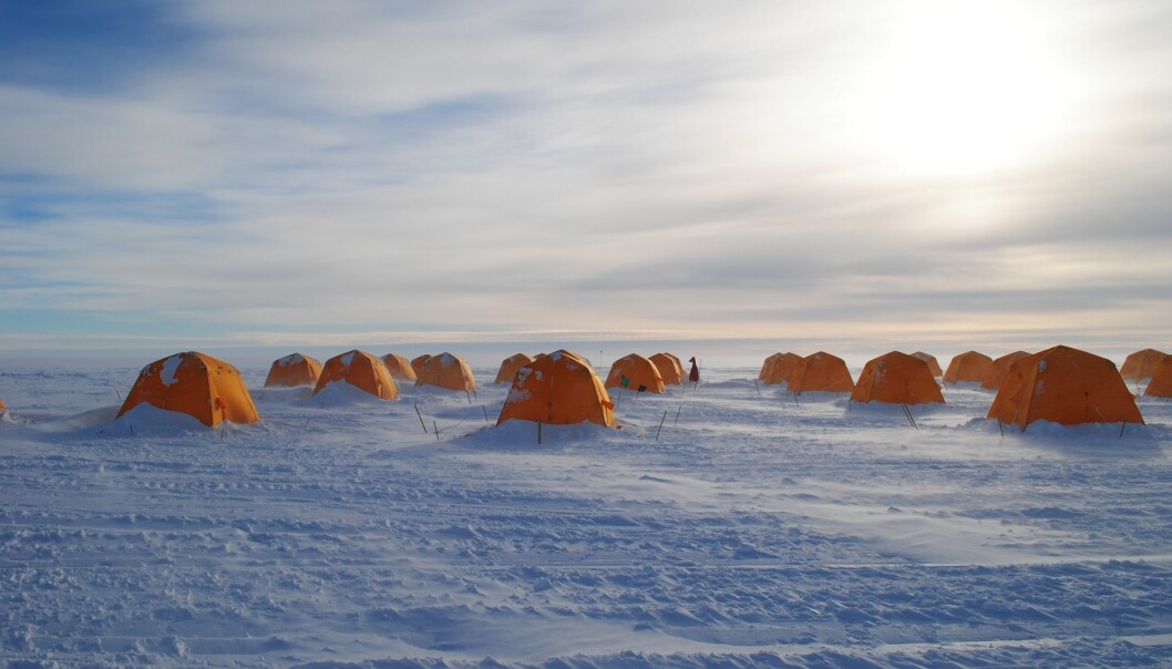 Scientists tents on the West Antarctic Ice Sheet at the drill site above Subglacial Lake Whillans. (Photo: Alex Michaud)