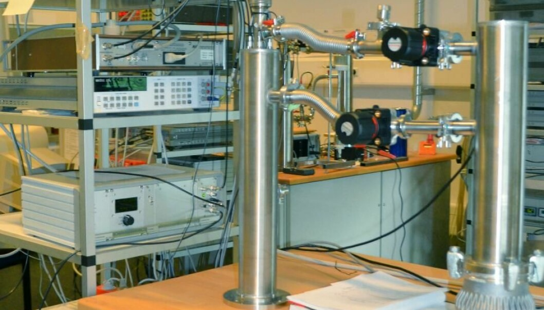 One of the many experimental set ups to study how viscous fluids behave at Roskilde University. (Photo: RUC)