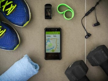 You can track your progress (distance run and average pace) while exercising using apps like Endomondo. (Photo: Shutterstock)