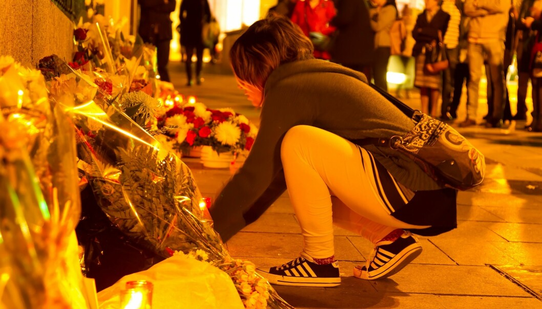 Madrid, 2015: People laid flowers and candles in remembrance of the victims of the Paris terror attack. Scientists in Sweden have studied how Spain recovered from a terror attack in 2004. (Photo: Shutterstock)