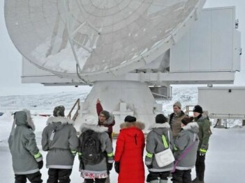 Greenlandic students visit the telescope, which will also be used for teaching. (Photo: CfA)