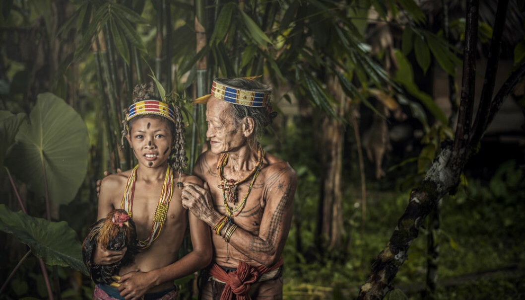 In Indonesia, speakers of indigenous languages are often pressured by national policies into speaking the official language. This can threaten the existence of minority languages. (Photo: Shutterstock)