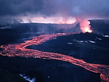 Lava flowing out of rock fractures at Krafla in 1984, towards the end of the phase when volcanic activity in the area threatened to halt the construction of the power plant.  (Photo: Michael Ryan, US Geological Survey)