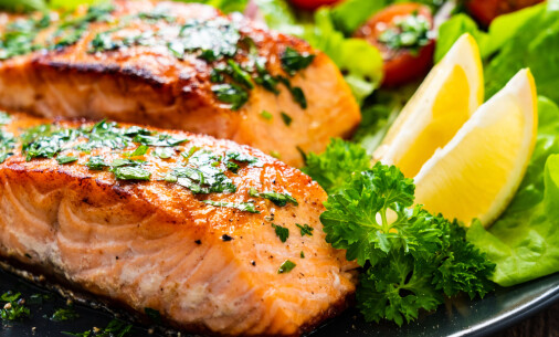 How healthy and climate friendly is Norwegian farmed salmon?